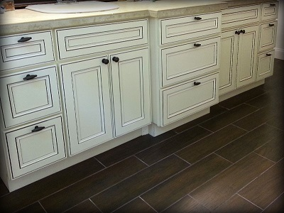 York Antique White Kitchen Cabinets